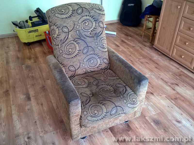 Brudny Fotel