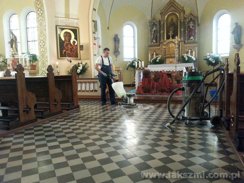 Czyszczenie Kafli w Kościołach