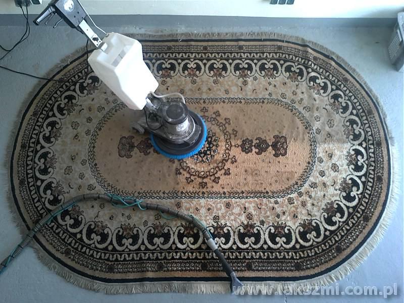 Jak często należy prać dywan?
