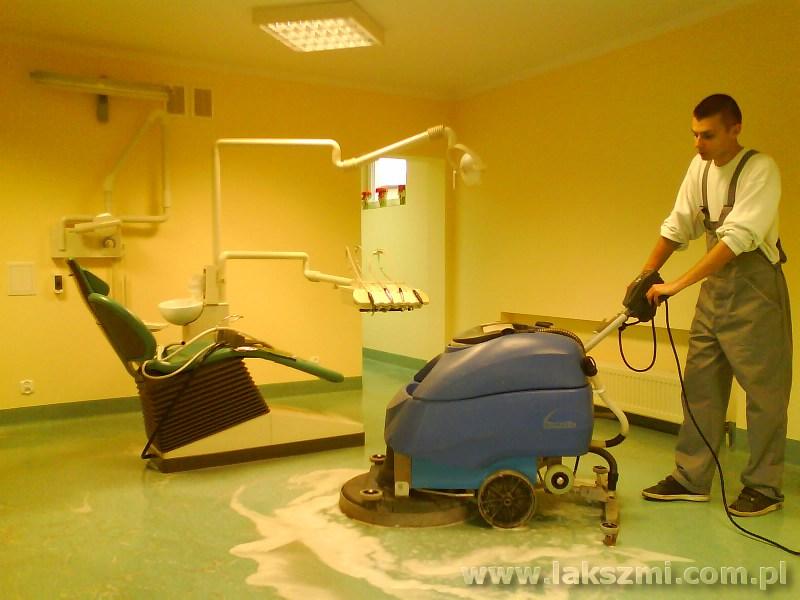 Maszynowe Mycie Podłóg