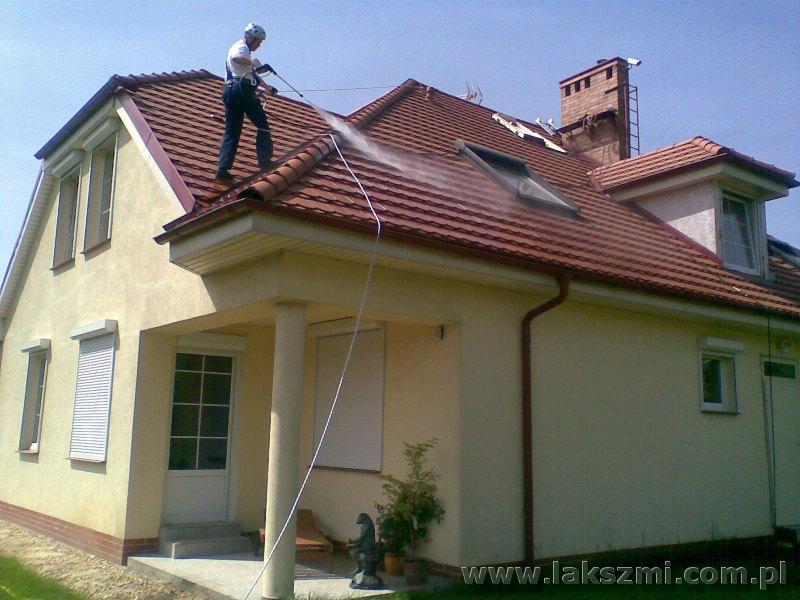Mycie Dachówki w Domu